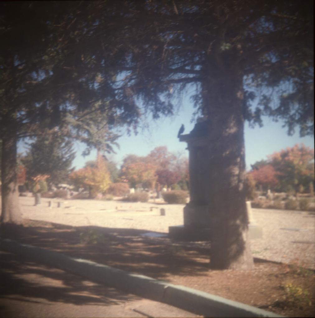 Rosario Cemetery - f16 @ 1/75