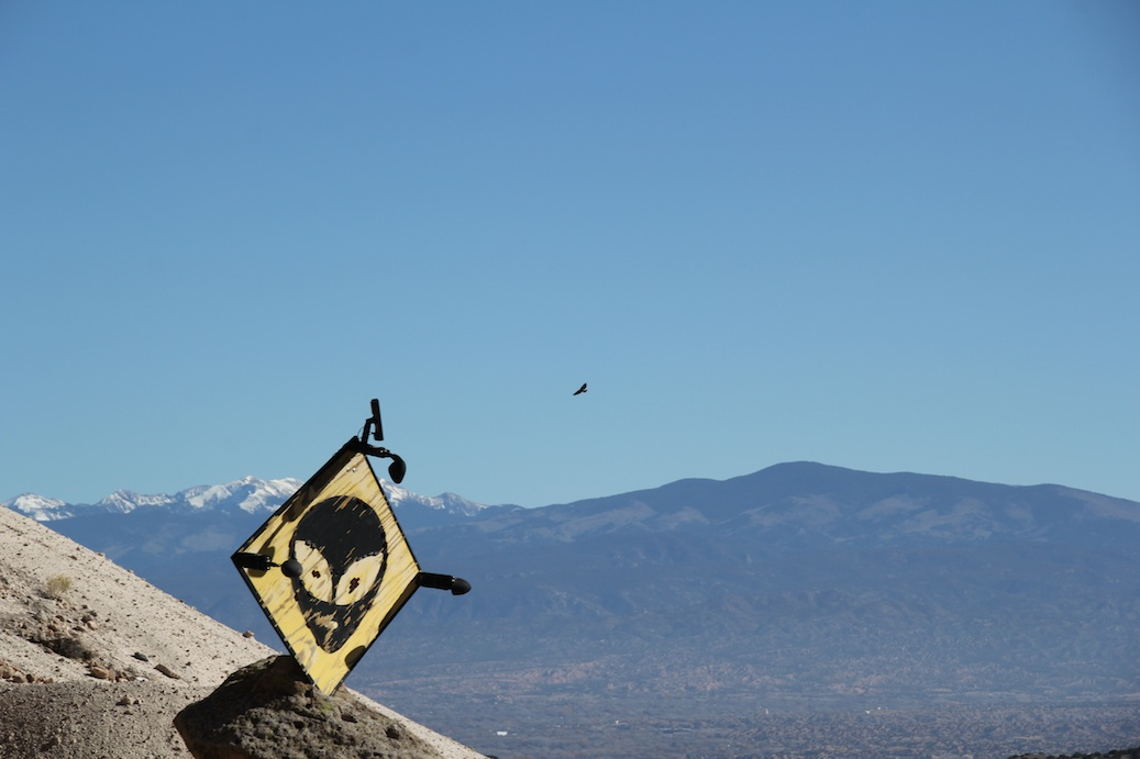 Alien & hawk near Los Alamos - ISO 100, f9 @ 1/400