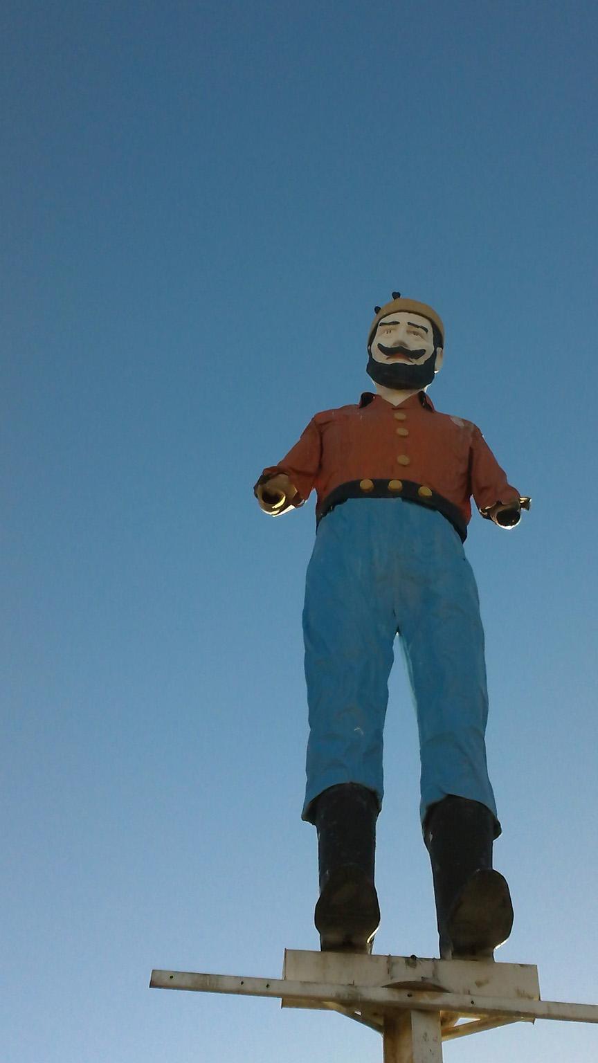 Lumberjack (cropped) -- ISO 50, f2.8, 1/1000 sec.